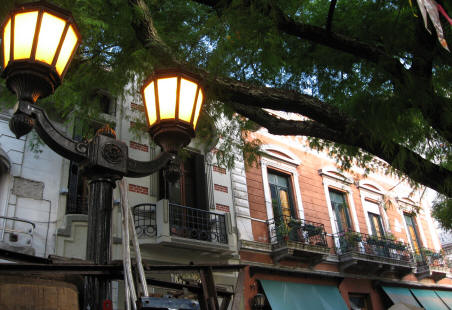 Discovering Buenos Aires, The City That Never Sleeps (Or So It Seems)