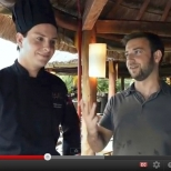 [Travel Video] Cooking Demo At Sasi Thai Restaurant, Cancun, Mexico (Green Tea Smoked Salmon)