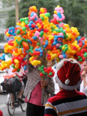 "December's ""Christmas Around The World"" Photo Contest Winner: A Ho Chi Minh City Santa Hat"
