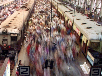 Tips For Train Travel In Mumbai (Personal Space Not Included)