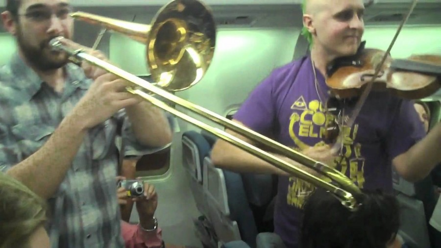 Klezmer Band Plays Set For Delayed Airplane [Video]