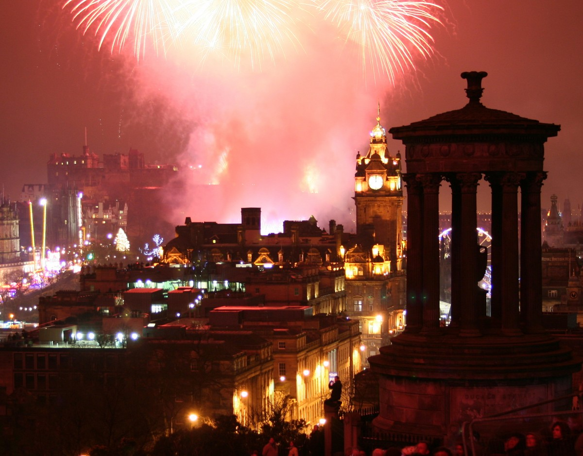 Homanay Edinburgh Fireworks Celebration