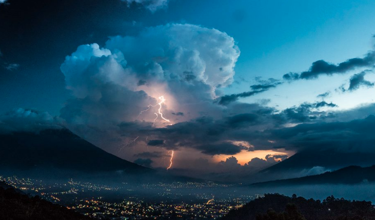 Storm in the Antigua Valley. Photo caption: David Lp